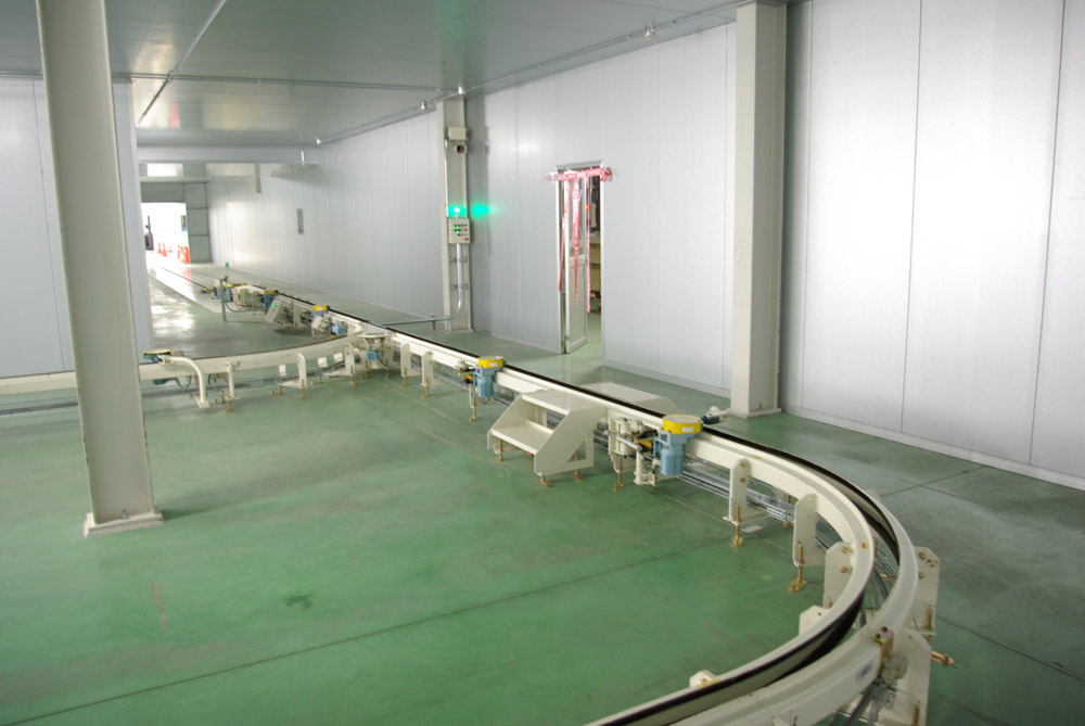 Trolley-conveyor-01